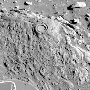 Emplacement de la zone de forage sur la face supérieur d'Uchben (d= 5cm)