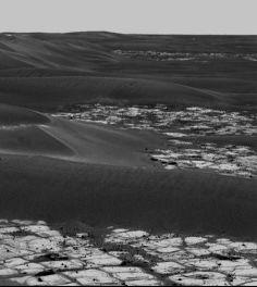 Dunes recouvrant les etched terrains, 9 octobre 2005, sol 608