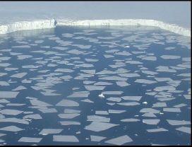 Exemple terrestre de banquise brisée (broken ice pack)