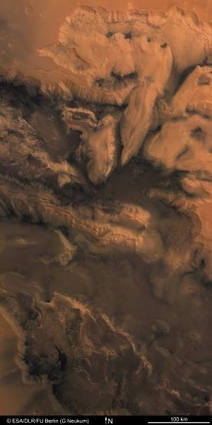 Melas, Candor et Ophir Chasma, dans Valles Marineris, Mars