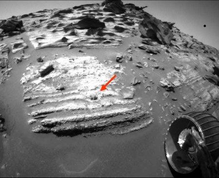 Figure de charge dans les couches inférieures de Home Plate