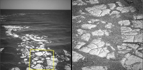 Détails des dalles de roches constituant la bordure du cratère Vostock, Mars
