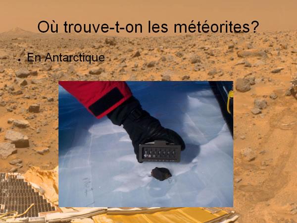 Vue rapprochée d'une météorite en Antarctique