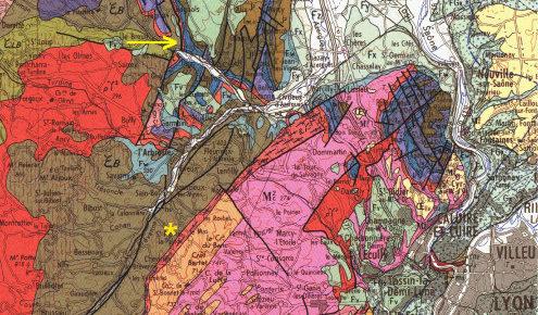 Localisation du secteur de Chessy-les-Mines (flèche jaune) sur la carte géologique de Lyon au 1/25000