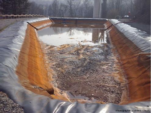Bassin de rétention des flux des eaux d'exhaure