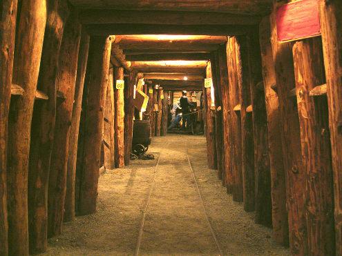 Reconstitution d'une galerie de mine dans le Musée de la Mine de Saint-Pierre-la-Palud