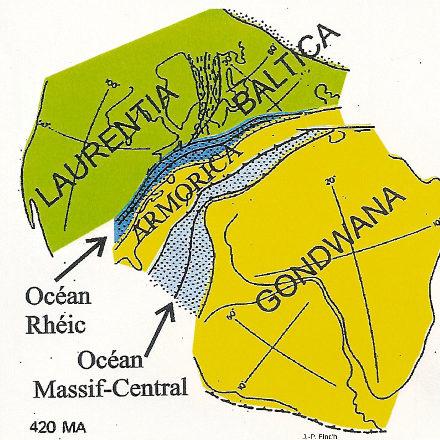 Il y a 450Ma, à l'emplacement actuel du Massif Central, il y avait un océan, l'océan Massif Central, situé, comme l'océan Rhéic et le bloc armoricain, entre deux vastes continents, le Laurencia-Baltica au Nord-Ouest et le Gondwana au Sud-Est