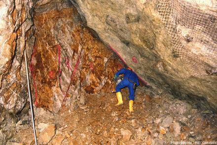 Structure de la mine de Mas Vieux montrant une forte oxydation