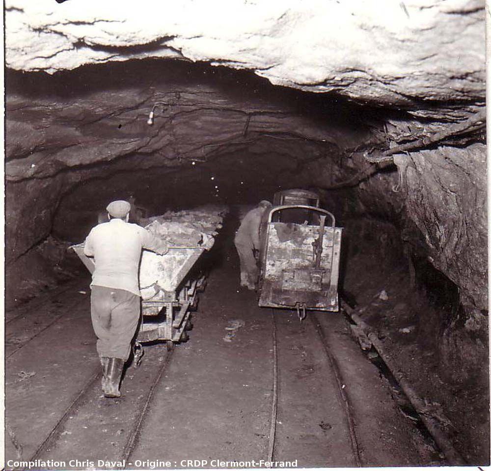 Un gisement d 39 hydrocarbures vu de l 39 int rieur et un tr sor for Interieur 19eme siecle