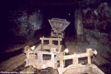 Galerie avec wagons à bascule, Mine des Rois, Dallet