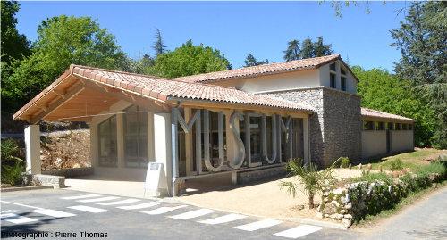 L'extérieur du Muséum de l'Ardèche à Balazuc, Ardèche