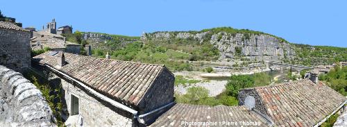 Balade dans les rues de Balazuc (Ardèche)