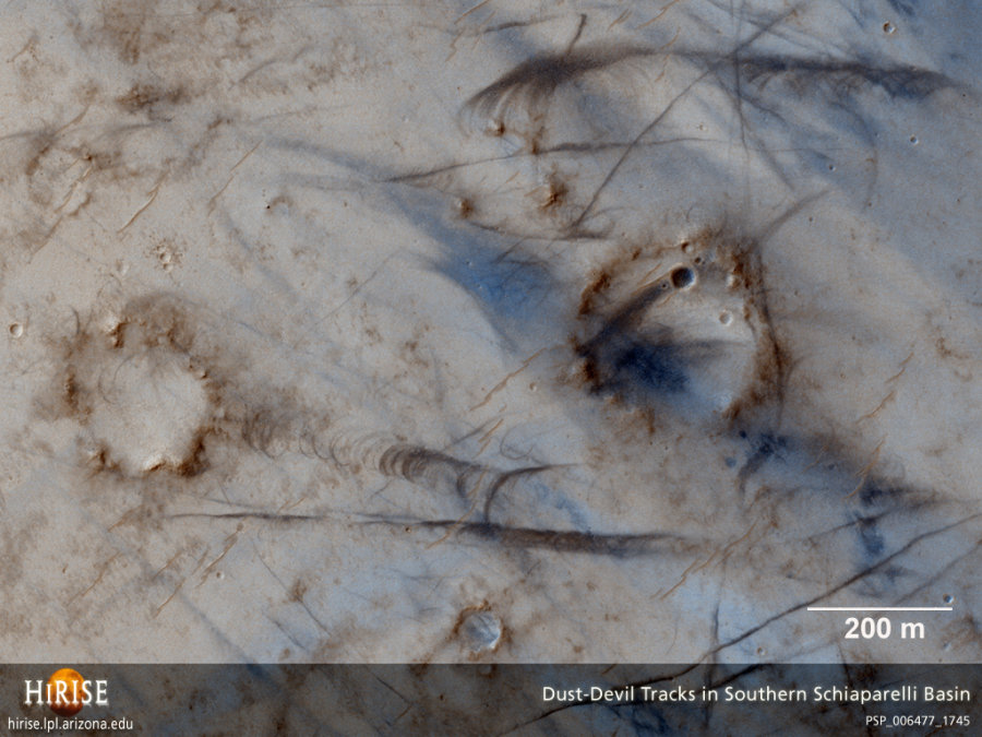 MRO / HIRISE : traces de tornades