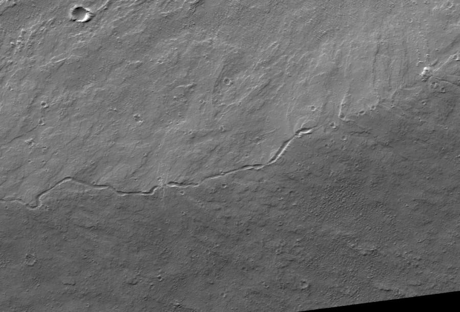Tube de lave effondré sur le flanc d'Olympus Mons, Mars