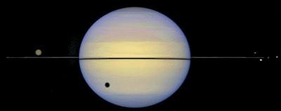 Saturne vu par le Télescope Spatial Hubble pendant l'équinoxe de 1995