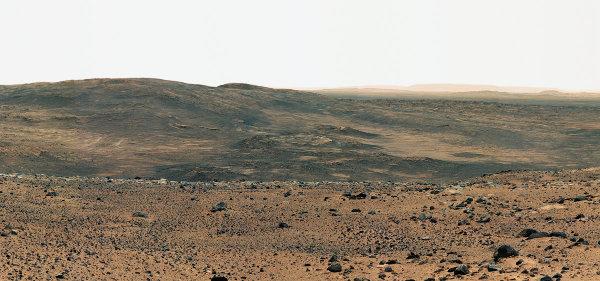 Vue en direction de Home Plate, depuis le sommet des Columbia Hills (24-26 aoû 2005)