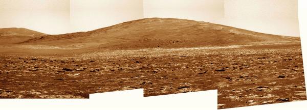 En arrivant au pied de Solander Point sur le rebord Ouest du cratère Endeavour (23 juillet 2013)