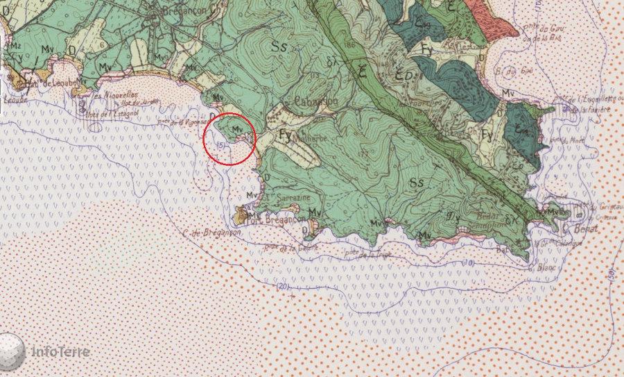 Localisation, sur fond géologique, des taffonis de la plage de Cabasson face au fort de Brégançon (cercle rouge)