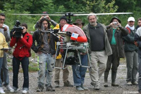 Décollage d'un drone lors des fouilles du site de Loulle (Jura)