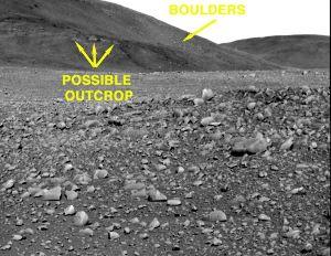 Objectifs scientifiques dans les Columbia Hills: boulders, gros éboulis venant du sommet des collines, et possible affleurement (outcrop)