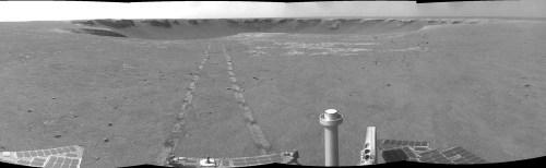 Mars: Opportunity s'éloigne du cratère Victoria (800m de diamètre)