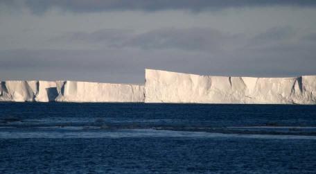 Vue du rebord de la plateforme de Mertz (40m de haut), janvier 2008