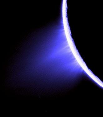 La meilleure image à ce jour des panaches volcaniques issus de la région du pôle Sud d'Encelade, satellite de Saturne