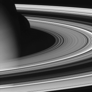 Les anneaux et le globe de Saturne pris de 618000km par la sonde Cassini
