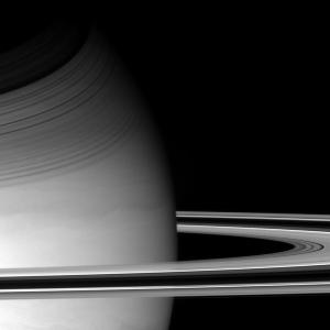 Les anneaux et le globe de Saturne pris de 654000km le 14 décembre 2004