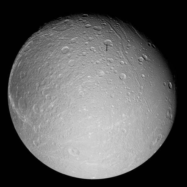 Mosaïque d'images montrant une vue générale de Dioné (d=1.120km)