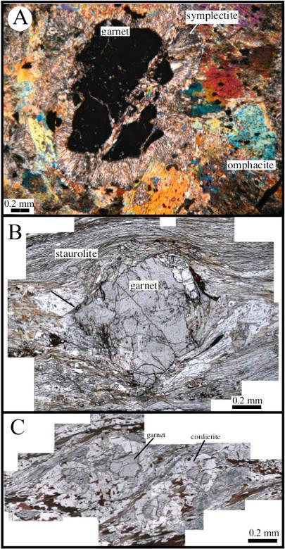 Photographies de lames minces de paragenèses métamorphiques de la Montagne Noire