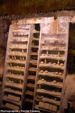 Table de pétrification, grottes du Cornadore, Saint Nectaire (63)