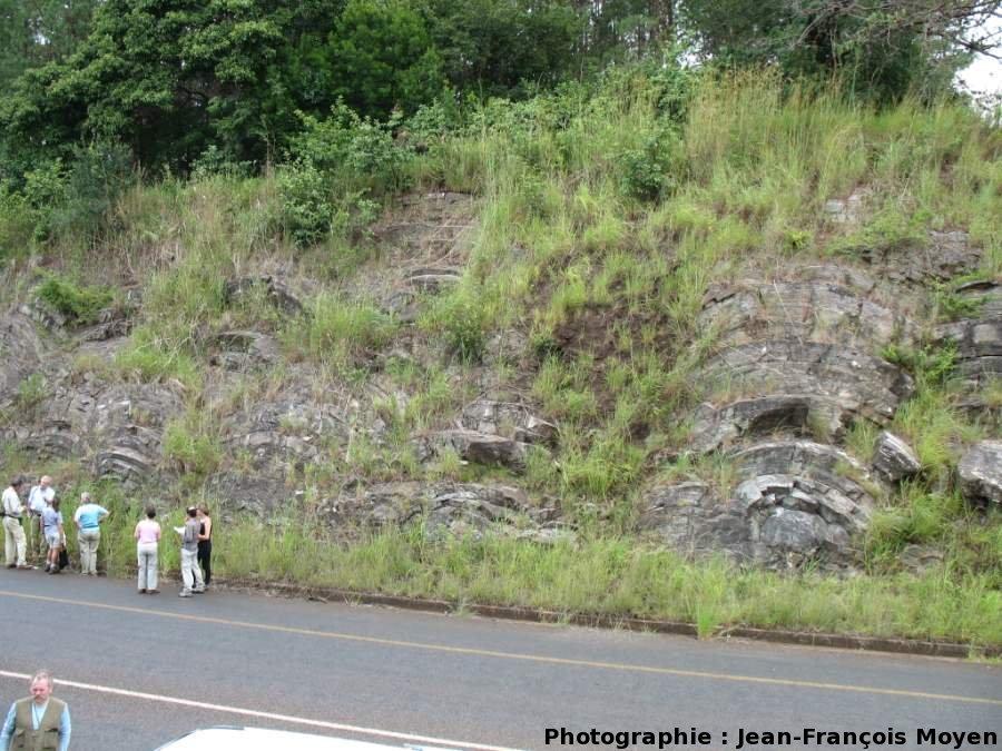 Stromatolithes en grands dômes, milieu subtidal profond, Sudwala Pass (R539), Mpumalanga, Afrique du Sud