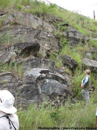Stromatolithes en grands dômes, milieu subtidal profond, Sudwala Pass (R539), Mpumalanga, Afrique du Sud, vue rapprochée