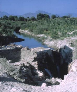 Perte d'une rivière dans le Taurus près d'Antalya (Turquie)