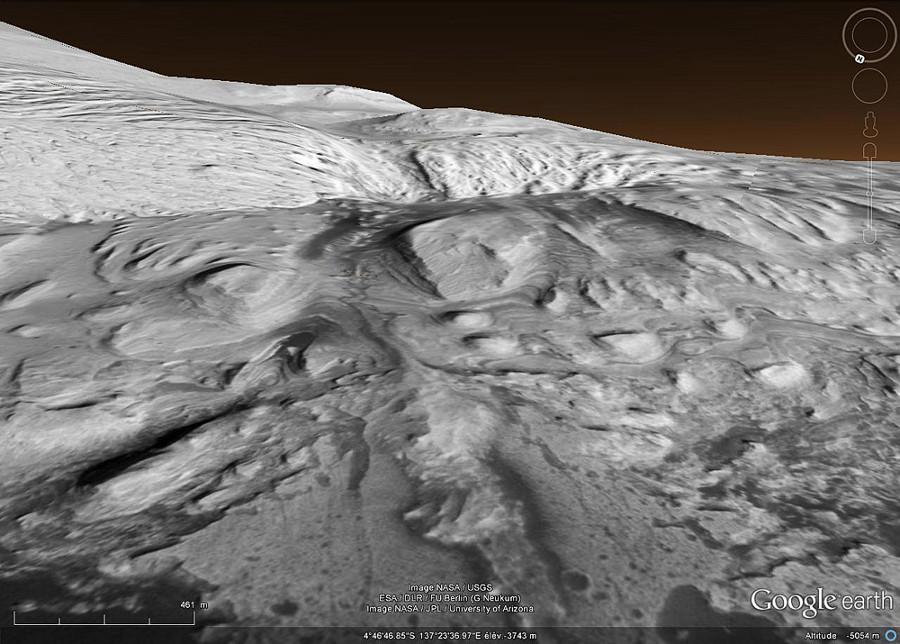 Vue Google Mars très rapprochée de la base du Mont Sharp dans le cratère Gale, images CTX Mosaics