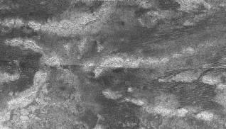 Dunes et collines sur Titan