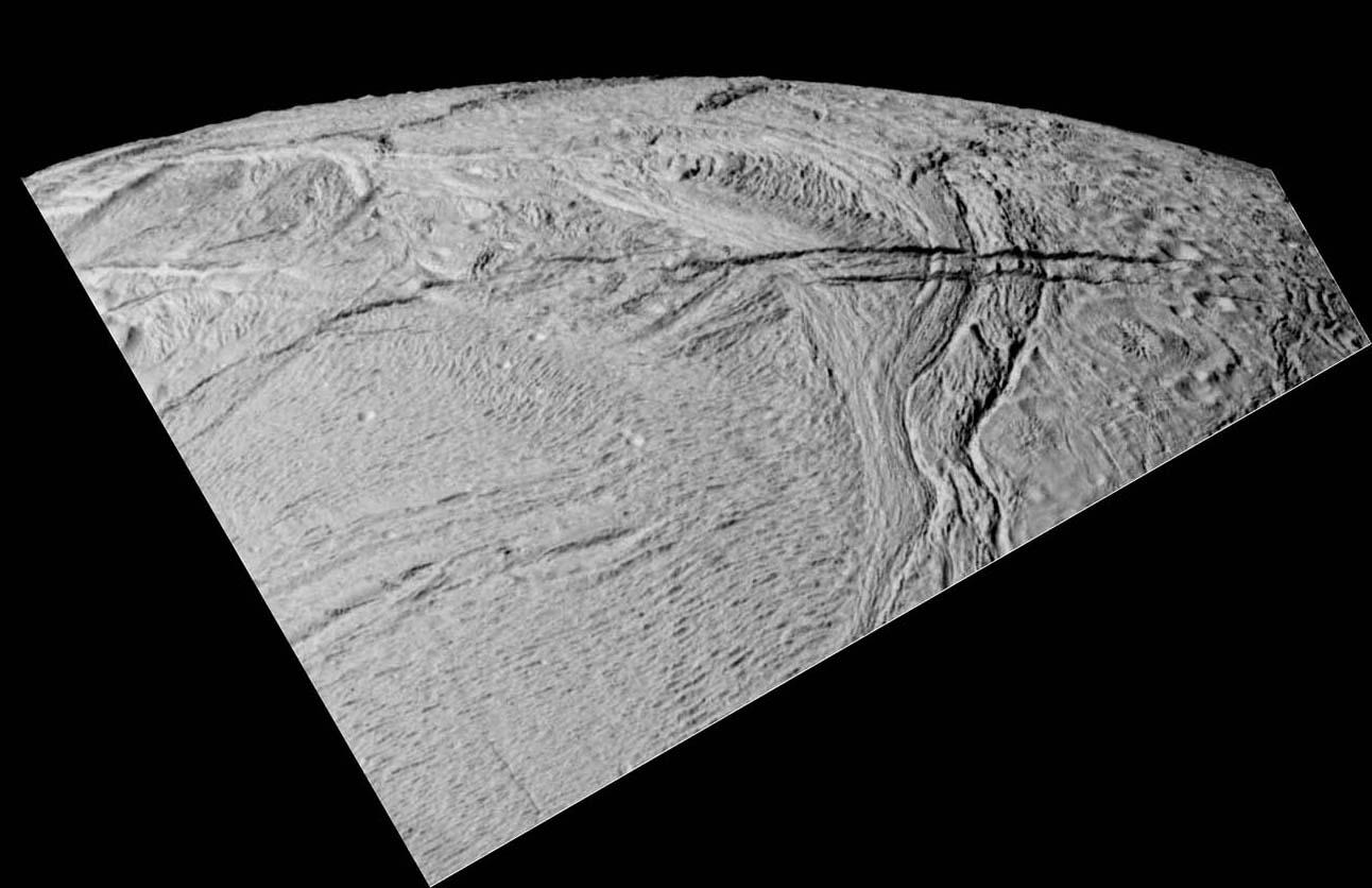 La géologie complexe d'Encelade