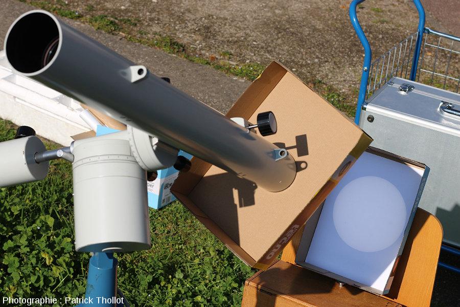 Dispositif d'observation du Soleil par projection, vue rapprochée