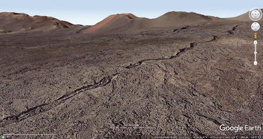 Vue rapprochée oblique d'un équivalent terrestre (iles Canaries) du petit sillon martien