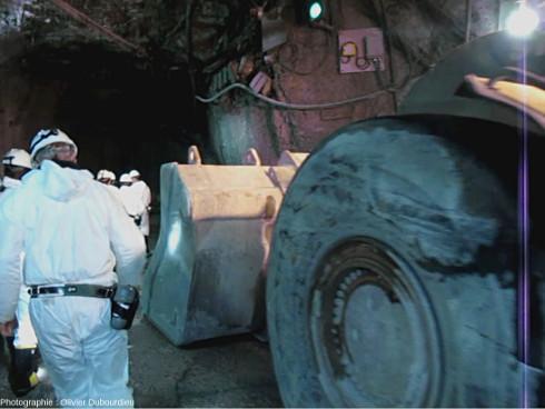 Partie avant d'un scoop (godet et roue avant) de la mine d'uranium de McArthur, Canada