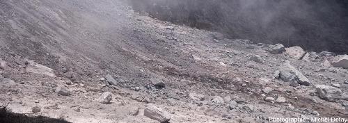 La vallée principale recouverte des dépôts laissés par le passage de CDP