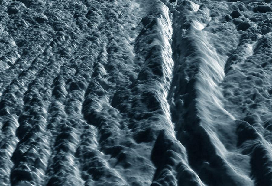 """Un """"rift"""" (sulcus) sur Encelade, Damascus Sulcus"""