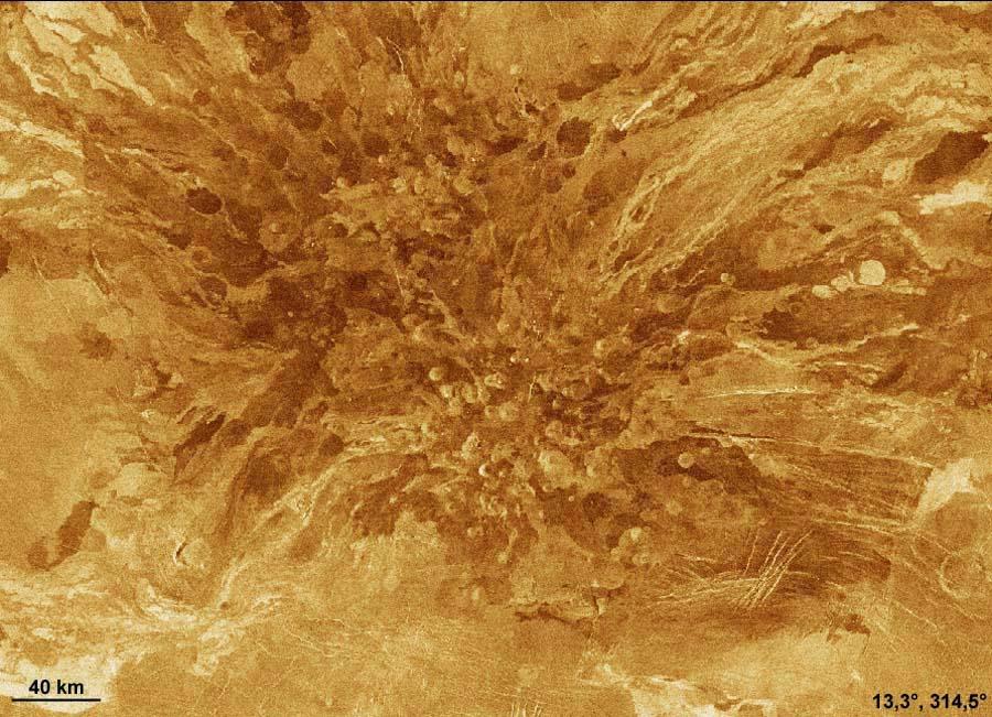 Ensemble de dizaines de «cônes stromboliens» et de coulées de laves sur Vénus