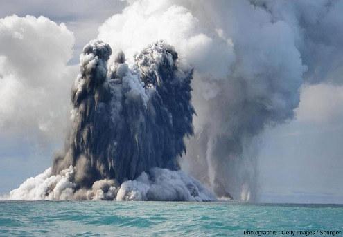 Éruption surtseyenne en 2009 dans l'archipel des Tonga