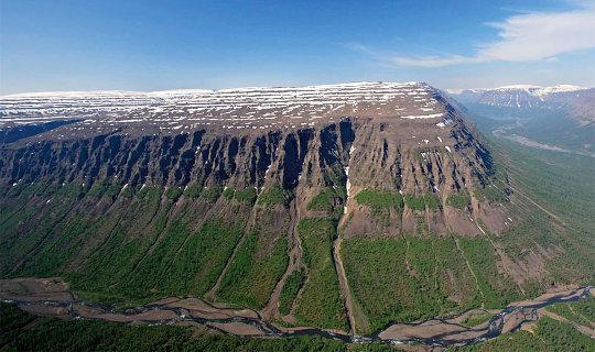 Le plateau de Putorana, en Sibérie du Nord, un micro-fragment des trapps de Sibérie
