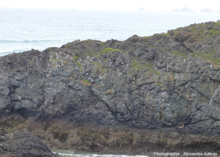 Vue, depuis l'éperon Sud, de la partie Sud de l'éperon Nord de la pointe de Lostmarc'h