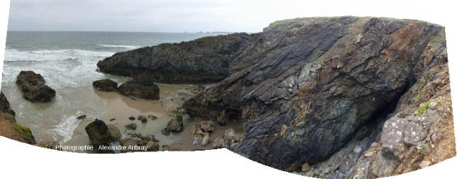 Vue panoramique, depuis l'éperon Nord, du flanc Nord de l'éperon Sud de la pointe de Lostmarc'h