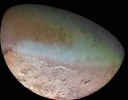 Triton, satellite de Neptune (diamètre 2 700 km)
